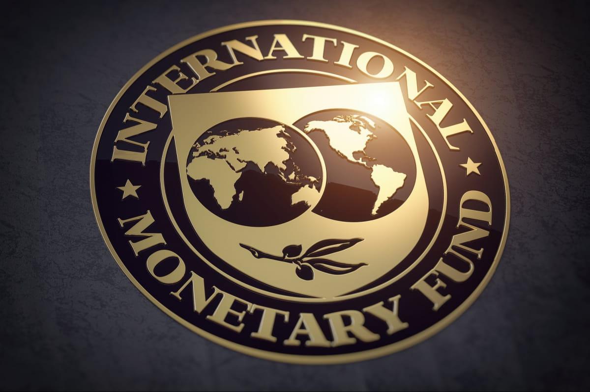 Кабмин намерен потратить почти 3 млрд долл. МВФ на социальные выплаты