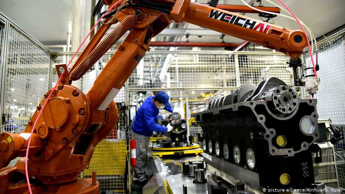 Промышленность Китая показала рост производства на 5,3%